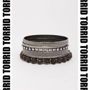 Torrid - Rosette Bangles size 3/4 NWT